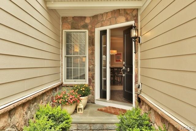 18 Dennis Lane, Pleasantville, NY 10570 (MLS #4842741) :: William Raveis Baer & McIntosh