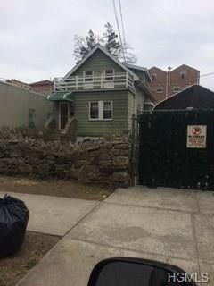 3032 Bouck Avenue, Bronx, NY 10469 (MLS #4843486) :: Mark Boyland Real Estate Team
