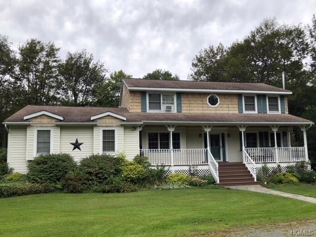 701 Stump Pond Road, Livingston Manor, NY 12758 (MLS #4843639) :: Shares of New York