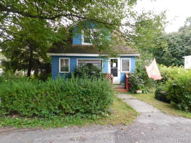 16 Grove Street, Highland, NY 12528 (MLS #4844125) :: Mark Boyland Real Estate Team