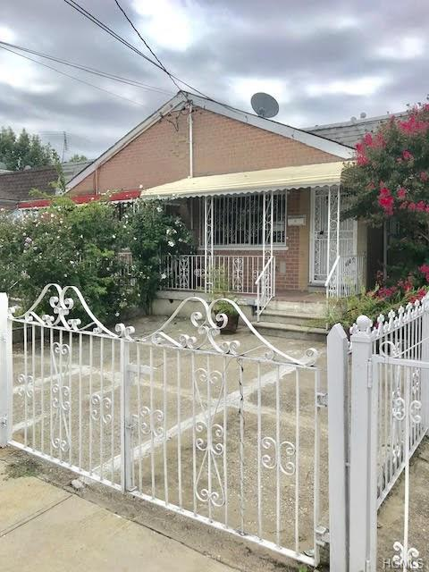 3479 Mickle Avenue, Bronx, NY 10469 (MLS #4844403) :: Mark Boyland Real Estate Team