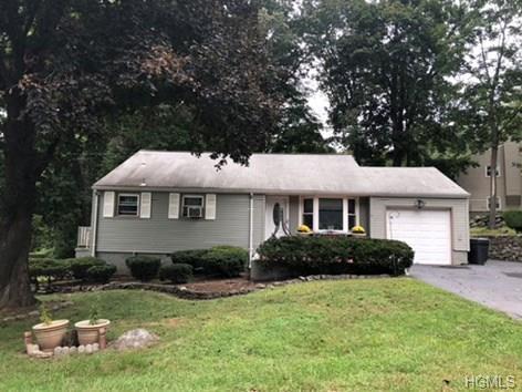 2 Mac Arthur Boulevard, Cortlandt Manor, NY 10567 (MLS #4844509) :: Mark Boyland Real Estate Team