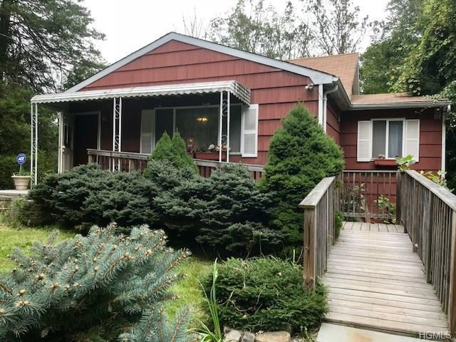 15 Hall Avenue, Goldens Bridge, NY 10526 (MLS #4845005) :: Mark Boyland Real Estate Team