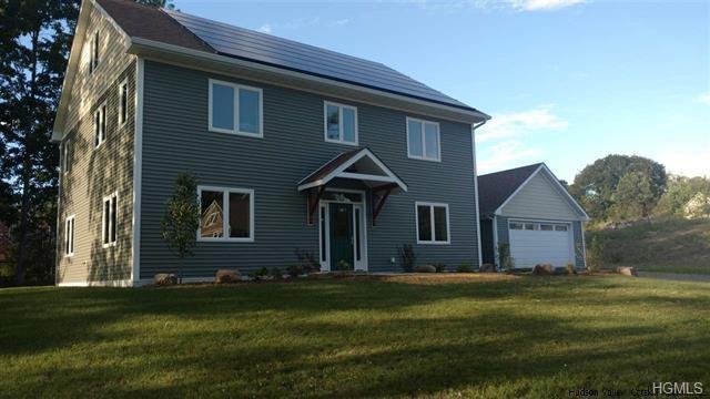 10 Taylor Street, New Paltz, NY 12561 (MLS #4845438) :: Mark Seiden Real Estate Team