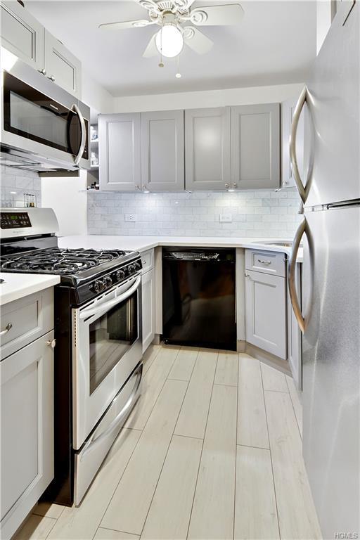23 Water Grant Street 6C, Yonkers, NY 10701 (MLS #4846813) :: William Raveis Legends Realty Group