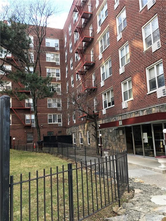 101 Highland Avenue 3B, Yonkers, NY 10705 (MLS #4847409) :: William Raveis Legends Realty Group
