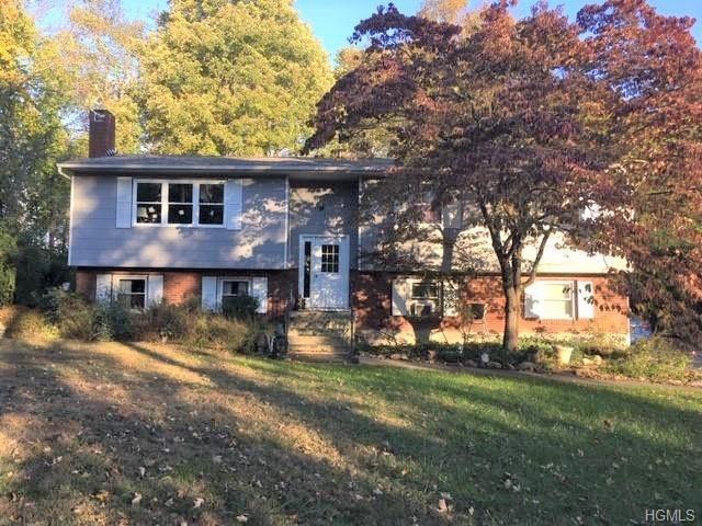 1 Summit Road, Mahopac, NY 10541 (MLS #4848407) :: Mark Boyland Real Estate Team