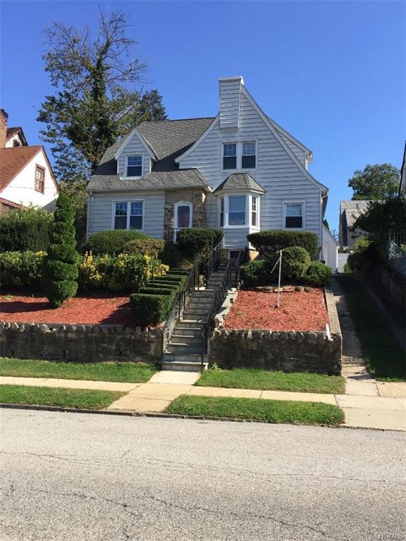 158 Devoe Avenue, Yonkers, NY 10705 (MLS #4848826) :: Mark Boyland Real Estate Team