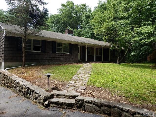 92 Lockwood Road, South Salem, NY 10590 (MLS #4850777) :: Mark Boyland Real Estate Team