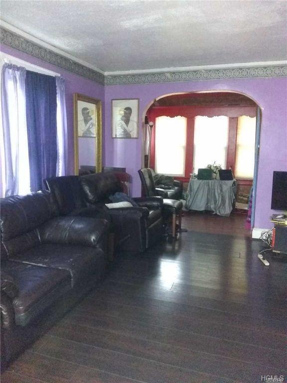 3814 Secor Avenue, Bronx, NY 10466 (MLS #4852315) :: Mark Boyland Real Estate Team