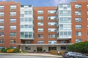 2 Washington Square 5G, Larchmont, NY 10538 (MLS #4852544) :: William Raveis Baer & McIntosh