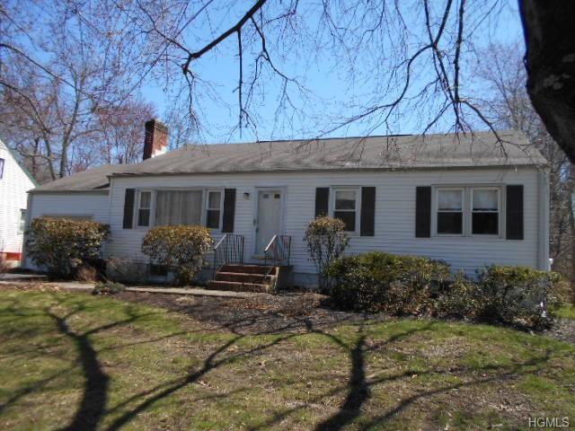 16 Alfred Drive, Poughkeepsie, NY 12603 (MLS #4852554) :: Shares of New York