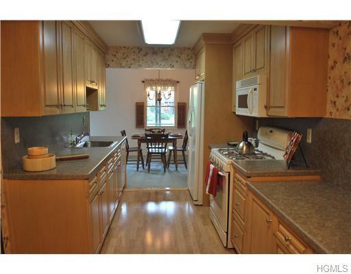 139 New Holland Village #139, Nanuet, NY 10954 (MLS #4856813) :: Mark Seiden Real Estate Team