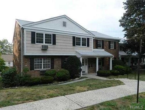 222 Parkside Drive, Suffern, NY 10901 (MLS #4900232) :: Mark Boyland Real Estate Team