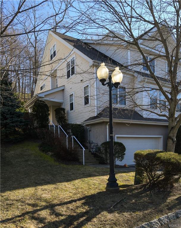 66 Briarbrook Drive, Briarcliff Manor, NY 10510 (MLS #4900982) :: Mark Boyland Real Estate Team