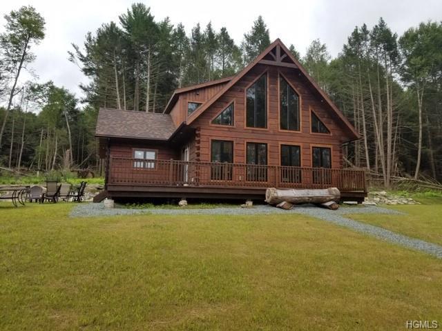 156 Swamp Pond Road, Tusten, NY 12764 (MLS #H4902575) :: Kevin Kalyan Realty, Inc.