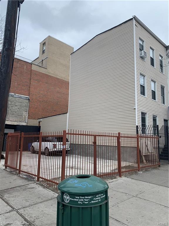 783 E 163 Street, Bronx, NY 10456 (MLS #4903012) :: Mark Boyland Real Estate Team