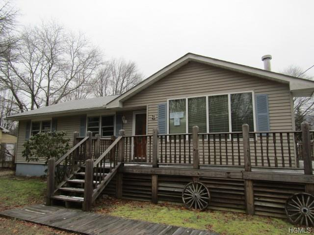 31 Apple Lane, Westbrookville, NY 12785 (MLS #4903297) :: Shares of New York