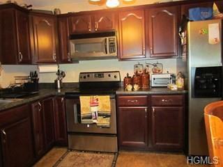 12 Academy Street, Beacon, NY 12508 (MLS #4906021) :: Mark Boyland Real Estate Team