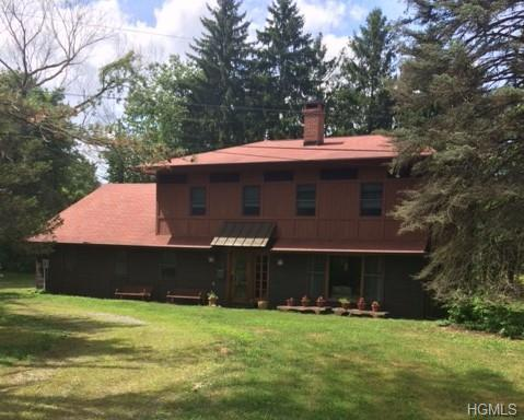 109 W Meadowbrook Lane, Staatsburg, NY 12580 (MLS #4910720) :: Mark Seiden Real Estate Team