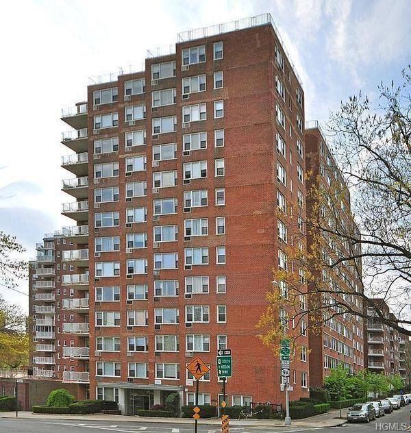 3755 Henry Hudson Parkway 14A, Bronx, NY 10463 (MLS #4913647) :: William Raveis Legends Realty Group