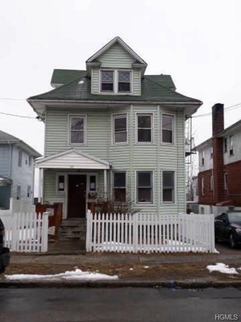 65 Clinton Avenue, New Rochelle, NY 10801 (MLS #4914990) :: Mark Seiden Real Estate Team
