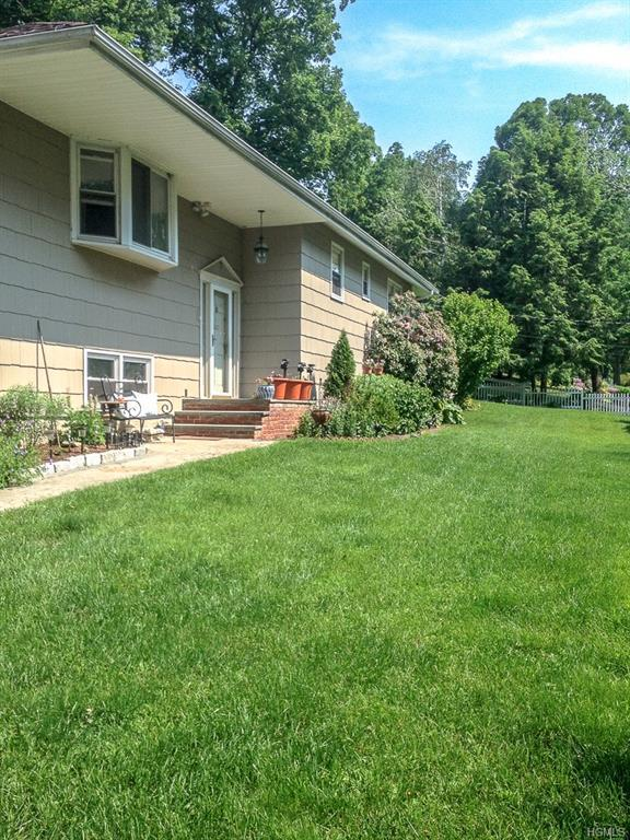 7 Hillview Drive W, Call Listing Agent, CT 06812 (MLS #4916165) :: Mark Seiden Real Estate Team