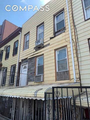 186 Skillman Street, Brooklyn, NY 11205 (MLS #4921945) :: Shares of New York