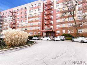 7 Balint Drive #319, Yonkers, NY 10710 (MLS #4923029) :: William Raveis Legends Realty Group