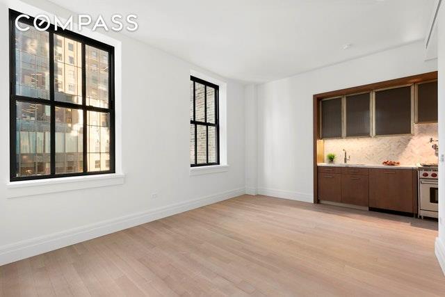 100 Barclay Street 17M, New York, NY 10007 (MLS #4924138) :: Mark Boyland Real Estate Team