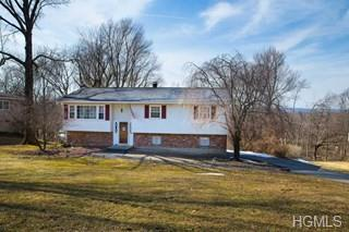 118 Cherrywood Drive, Fishkill, NY 12524 (MLS #4934597) :: Marciano Team at Keller Williams NY Realty