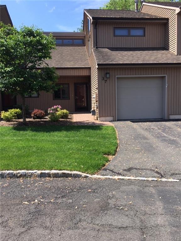 37 Contempra Circle, Tappan, NY 10983 (MLS #4938386) :: Mark Boyland Real Estate Team