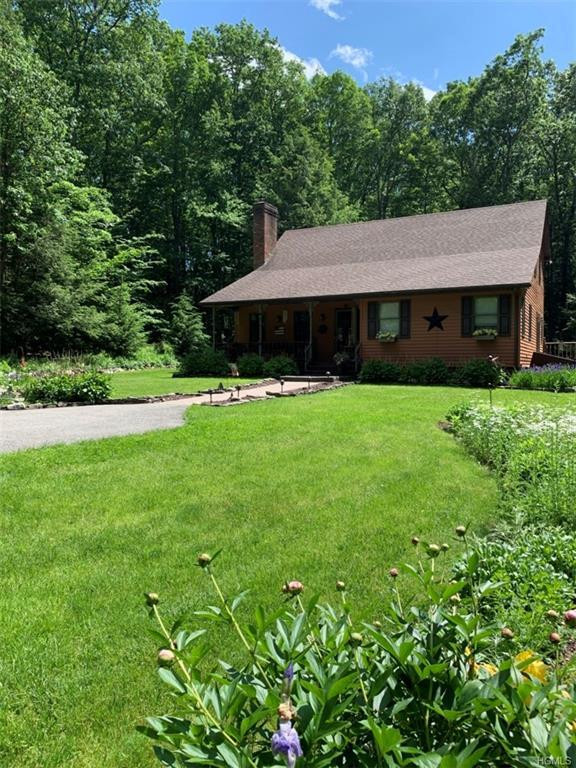 1530 Indian Springs Road, Pine Bush, NY 12566 (MLS #4948782) :: The McGovern Caplicki Team