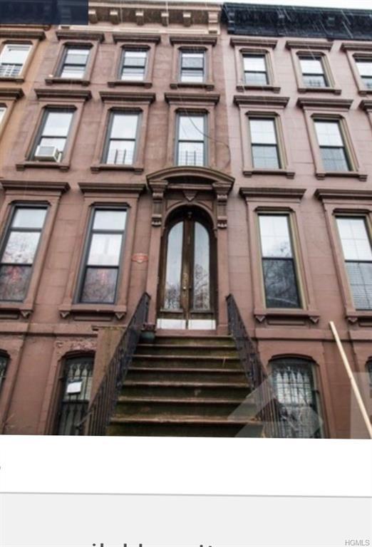 590 Greene Avenue, Stuyvesant, NY 11216 (MLS #4960658) :: The McGovern Caplicki Team