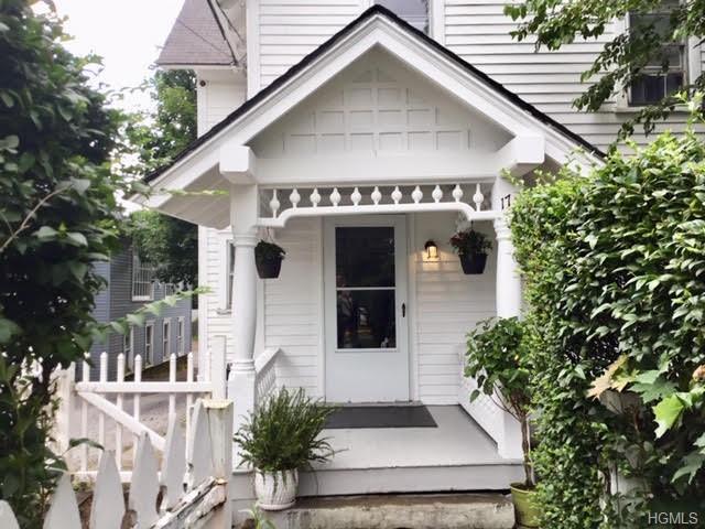 17 Merritt Avenue, Millbrook, NY 12545 (MLS #4962521) :: William Raveis Baer & McIntosh
