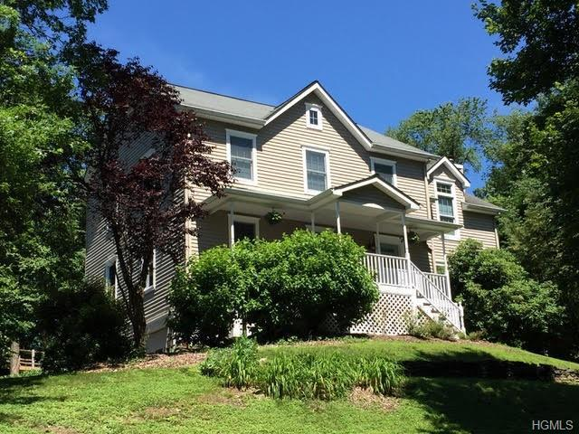 30 Colonial Drive, Poughkeepsie, NY 12603 (MLS #4970318) :: William Raveis Legends Realty Group