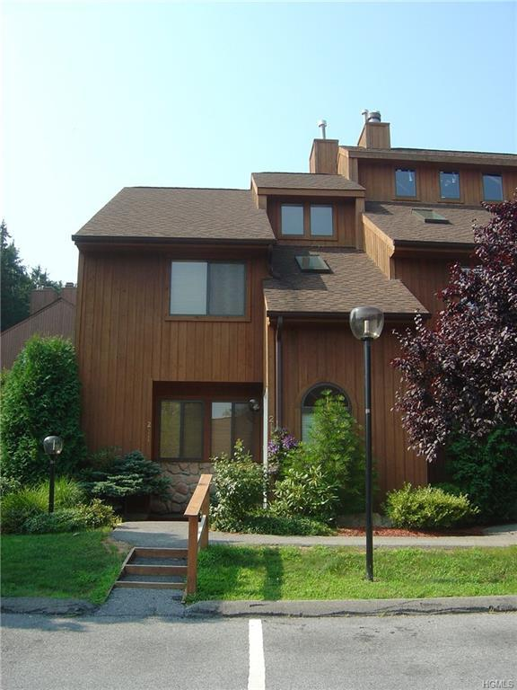 211 Falcon Court, Poughkeepsie, NY 12603 (MLS #4978108) :: William Raveis Legends Realty Group
