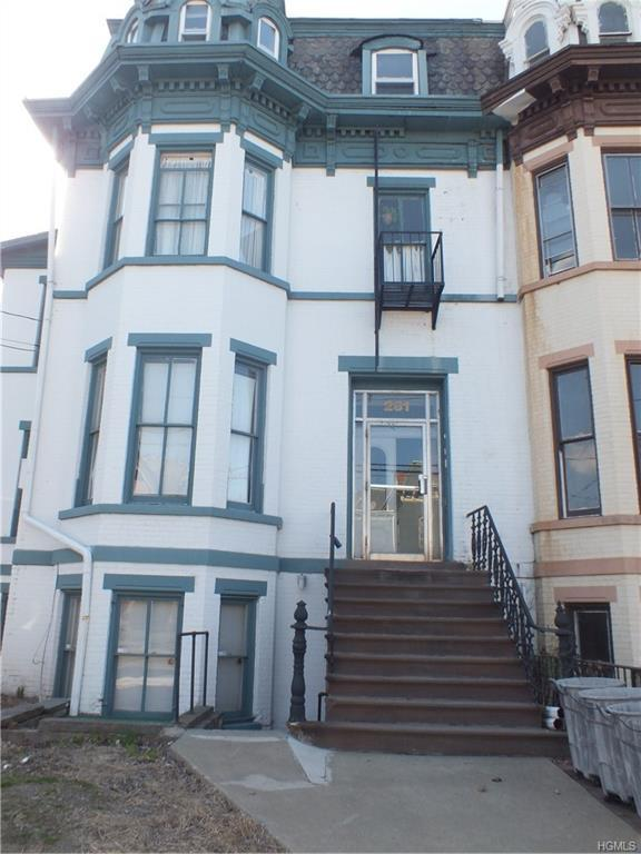 261 Grand Street Top, Newburgh, NY 12550 (MLS #4985766) :: William Raveis Baer & McIntosh