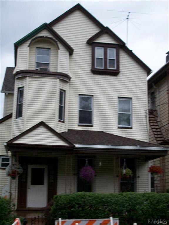 261 Warburton Avenue, Yonkers, NY 10701 (MLS #4988597) :: The McGovern Caplicki Team
