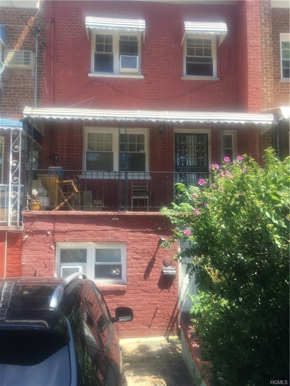 737 Penfield Street, Bronx, NY 10470 (MLS #4990882) :: The McGovern Caplicki Team