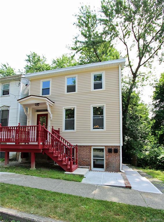 82 Johnston Street, Newburgh, NY 12550 (MLS #4991011) :: The McGovern Caplicki Team