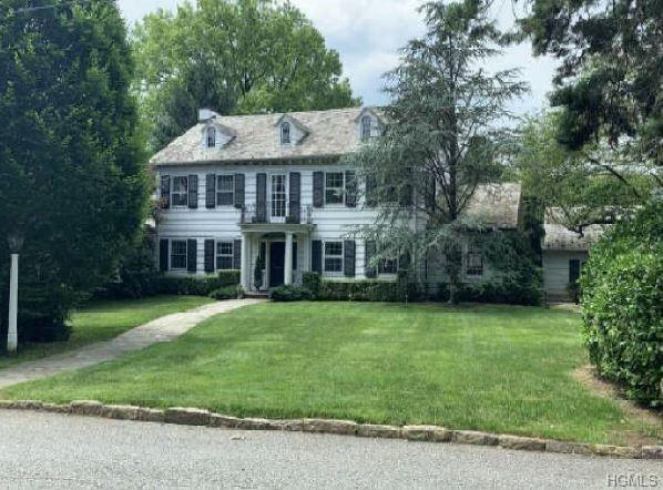 8 Hilltop Road, Bronxville, NY 10708 (MLS #4996169) :: Mark Boyland Real Estate Team