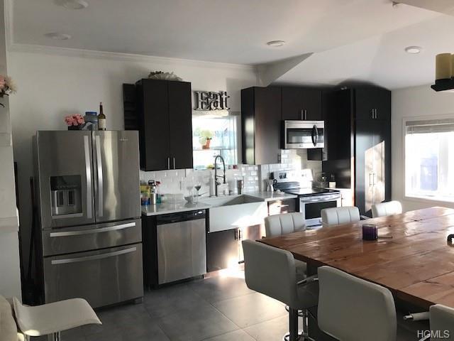 682 Brush Avenue, Bronx, NY 10465 (MLS #5000188) :: Mark Seiden Real Estate Team
