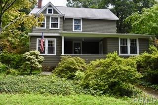 12 Center Street, Pearl River, NY 10965 (MLS #5022750) :: Mark Boyland Real Estate Team