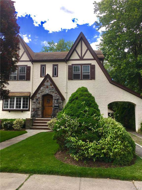 1061 Washington Avenue, Pelham, NY 10803 (MLS #5061492) :: William Raveis Baer & McIntosh
