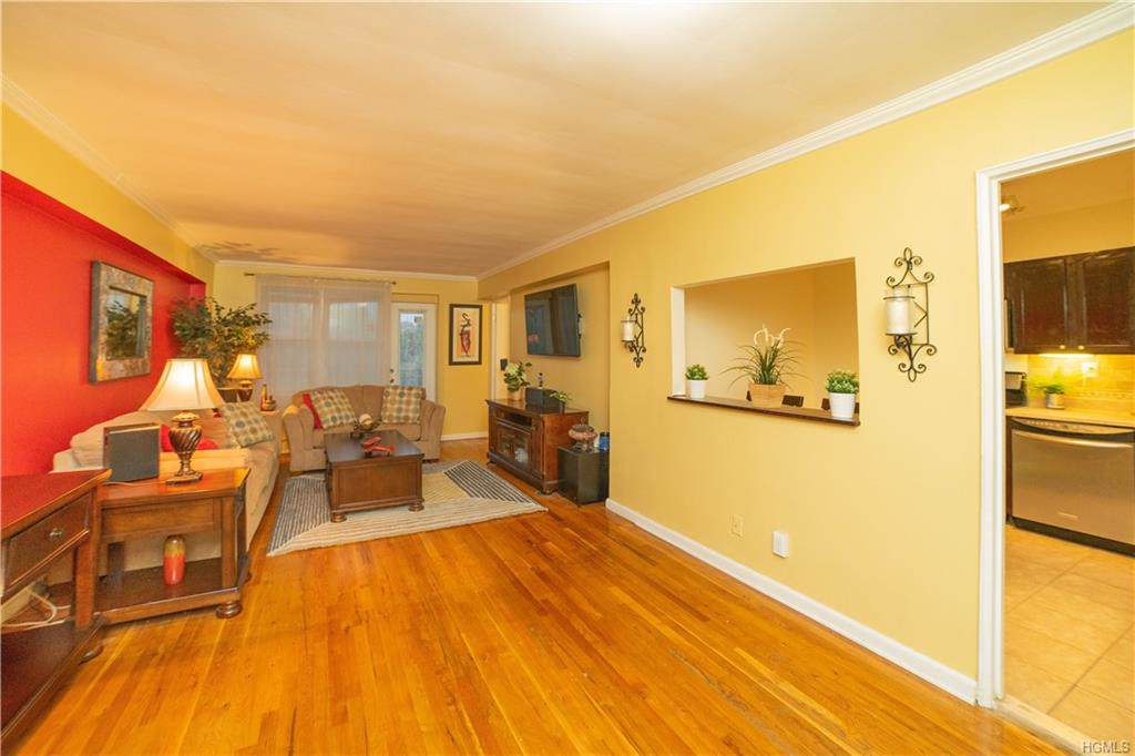495 Odell Avenue - Photo 1