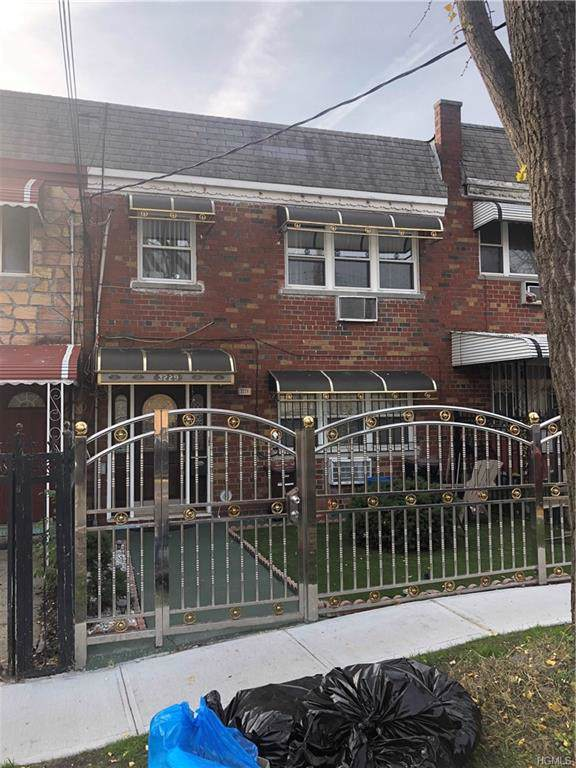 3229 Grace Avenue, Bronx, NY 10469 (MLS #5119502) :: Shares of New York