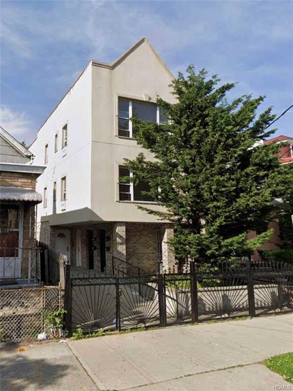 821 E 228th Street, Bronx, NY 10466 (MLS #5121299) :: RE/MAX RoNIN