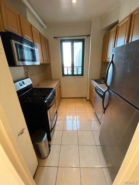 1925 Mcgraw Avenue 12H, Bronx, NY 10462 (MLS #5124377) :: The Anthony G Team