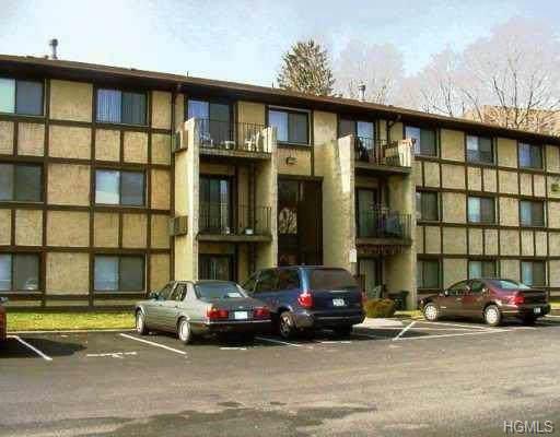 15 Park Avenue 103C, Spring Valley, NY 10977 (MLS #5124701) :: The McGovern Caplicki Team
